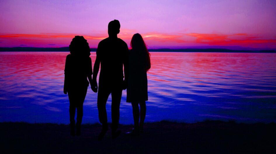 Died: Siblings Holding Hands